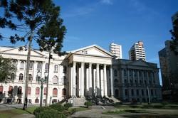 クリチバ市にあるパラナ連邦大学 筆者撮影
