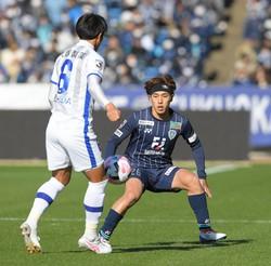 昨季J2福岡で11点を挙げたFW遠野大弥=ベスト電器スタジアムで2020年12月20日、津村豊和撮影
