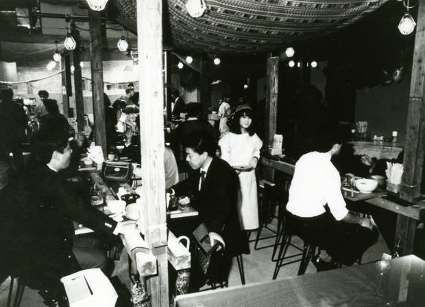 80年代にキリンがてがけていた直営レストラン「DOMA」。原宿は神宮前交差点近くのビル、その地下一階にあった。
