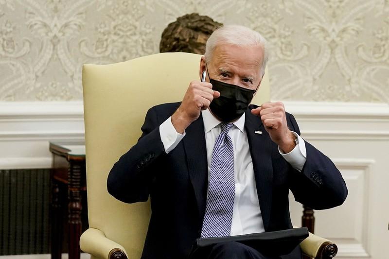 バイデン米大統領。戦前・戦中のルーズベルト大統領になぞらえる論調も(ホワイトハウスで) Bloomberg