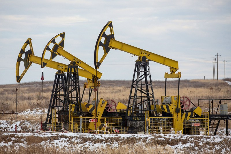 IEAは世界の石油需要が2021年末にコロナ前水準に戻ると予測 (Bloomberg)