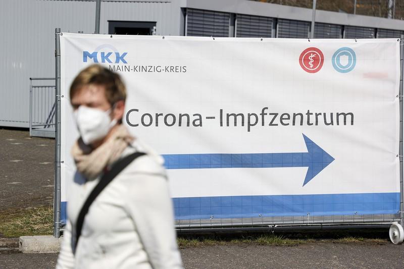 ドイツではコロナの第3波が押し寄せる (Bloomberg)