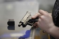 一般市民は4億丁もの銃を持つ…… (Bloomberg)