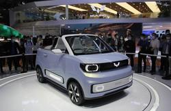 宏光ミニEVをベースにしたオープンカー「宏光ミニEV CABRIO」(2021年4月の上海モーターショー)