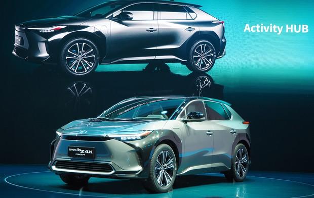 トヨタが世界初公開した新型EVのコンセプトカー「bZ4X」(2021年4月の上海モーターショー)