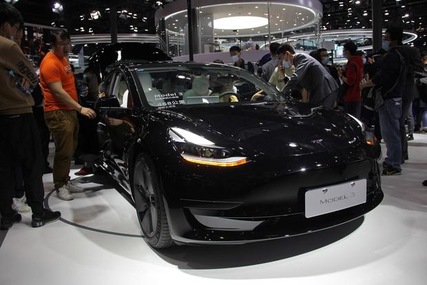 中国でも人気のテスラモデル3(2021年4月の上海モーターショー)
