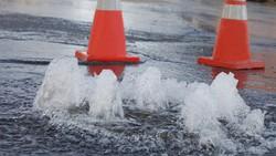 水道管が老朽化し、全国で年間約2万件の破損漏水事故が起きているという