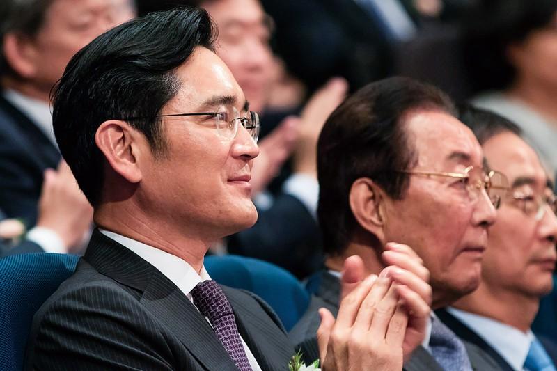 経済界から復帰を期待される李在鎔氏(左) (Bloomberg)