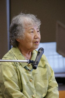 This June 2011 file photo shows former leprosy patient Masako Ueno speaking about Hansen's disease issues as a guest lecturer. (Mainichi/Yoshikazu Shinkai)