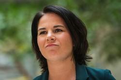 憲法裁判決を歓迎するドイツ緑の党ベーアボック共同党首(ベルリンの連邦議会で) (Bloomberg)