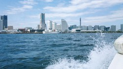 レンタルボートから眺める横浜の景色