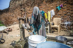水問題が深刻なグルガオン (Bloomberg)