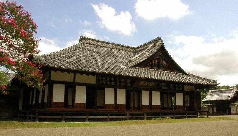 徳川斉昭公が創設した水戸藩校「弘道館」。その敷地内には「医学館」が設置されていた=水戸市提供