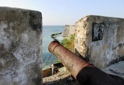 サン・セバスティアン要塞(ようさい)にはインド洋をにらむ大砲が残る(写真は筆者撮影)