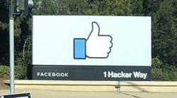 米フェイスブック本社の看板=米カリフォルニア州で2020年2月27日、中井正裕撮影