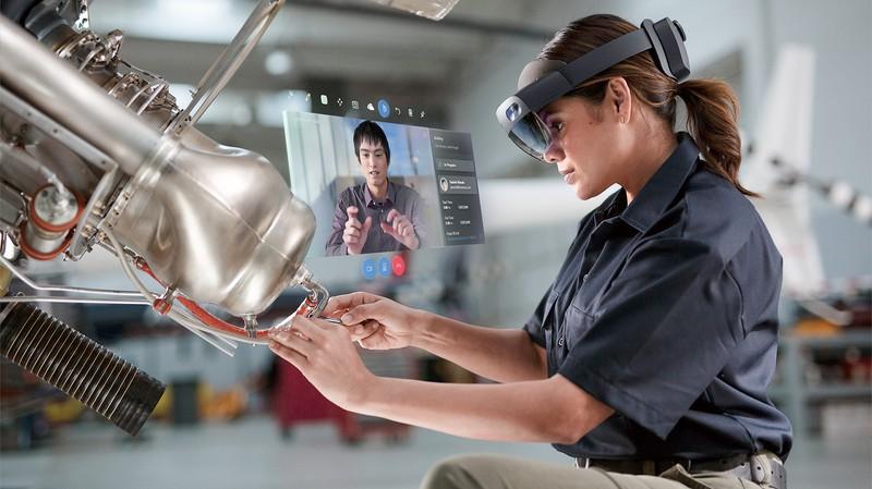 現実空間とデジタル空間を融合させるMRの技術が働き方を大きく変える 日本マイクロソフト提供