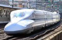 A shinkansen bullet train is seen at JR Odawara Station in Kanagawa Prefecture on Dec. 6, 2020. (Mainichi)