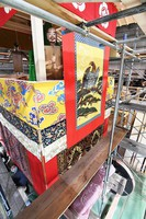 Deity figures and decorations for the Takayama float, being rebuilt to return to the Gion Festival next year, are seen in Kyotamba, Kyoto Prefecture, on May 24, 2021. (Mainichi/Kazuki Yamazaki)