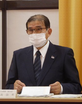 Takao Hirajima, executive vice-president of Kyoto University, is seen during a press conference regarding the school's cancellation of a doctoral degree, at the university campus in Kyoto's Sakyo Ward on May 25, 2021. (Mainichi/Norikazu Chiba)