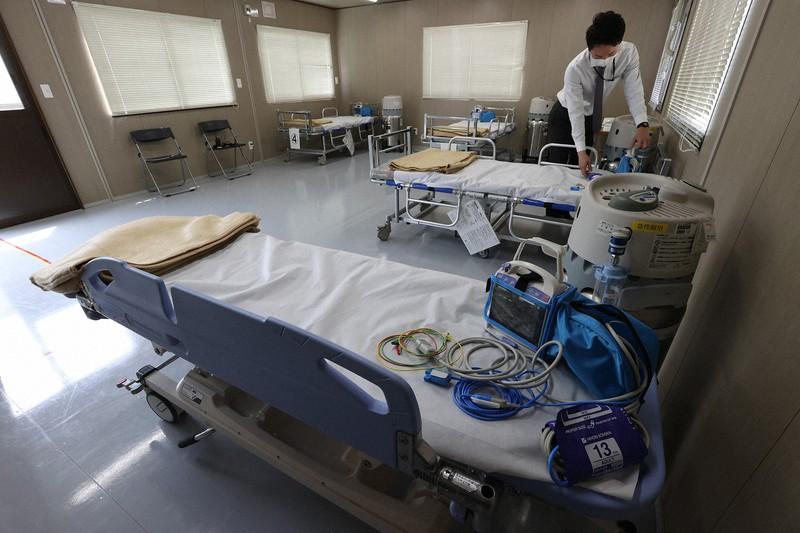 医療崩壊が懸念される大阪。大阪府は患者を一時的に受け入れる「入院患者待機ステーション」を開設した(大阪市内で4月22日)