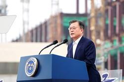 文大統領は5月13日、サムスン電子の平沢工場で「K─半導体戦略」を打ち出した(京畿道平沢市)韓国大統領府提供