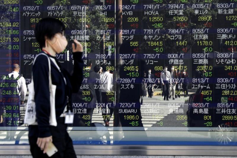 証券会社選びも重要だ (Bloomberg)