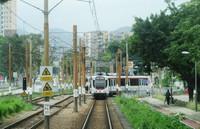 香港北西部のニュータウン地区に複雑な路線網を持つ「軽鉄」(写真は筆者撮影)