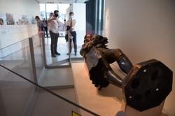 引き倒しから1年を機に美術館で展示が始まった奴隷商人コルストンの像=英南西部ブリストルで2021年6月3日午後3時8分、横山三加子撮影