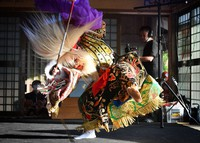 A performer from the Tsuchie children's kagura troupe dances energetically in Oda, Shimane Prefecture, on May 29, 2021. (Mainichi/Kenji Konoha)=Click/tap photo for more images.