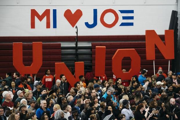 労働組合は民主党の強力な支持基盤だ Bloomberg