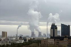石炭火力発電所が数多く稼働している(中国・甘粛省) (Bloomberg)