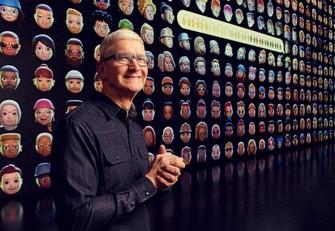 世界開発者会議で基調講演するアップルのティム・クック最高経営責任者