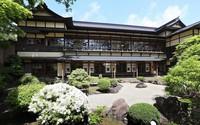 The exterior of the former Japanese-style restaurant Kaneyu is seen in Noshiro, Akita Prefecture, on May 26, 2021. (Mainichi/Akihiro Ogomori)