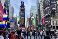 Times Square in New York City is seen bustling with tourists after a decline in the coronavirus transmission rate, on May 6, 2021. (Mainichi/Toshiyuki Sumi)
