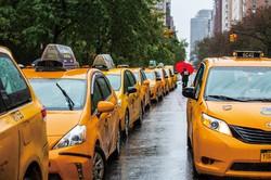 マンハッタンの名物・イエローキャブ (Bloomberg)