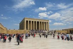 トルコ共和国建国の父をたたえるアタチュルク廟(写真は筆者撮影)