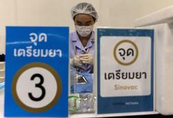 中国製ワクチンは各国で接種されている(タイ、2021年6月7日) (Bloomberg)