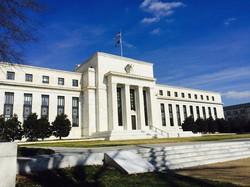 米連邦準備制度理事会(FRB)本部=米ワシントンで2016年2月、清水憲司撮影