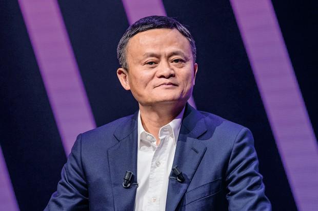 アリババ創業者の馬雲(ジャック・マー)氏が金融当局を批判する発言をした後、アント・グループの上場が中止になった (Bloomberg)
