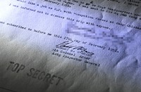 """The U.S. military interrogation record that the man signed is seen in this partially modified image. Among its contents, it requires the signatory to confirm they were """"informed not to discuss this trip with anyone."""" (Mainichi/Noriko Tokuno)"""