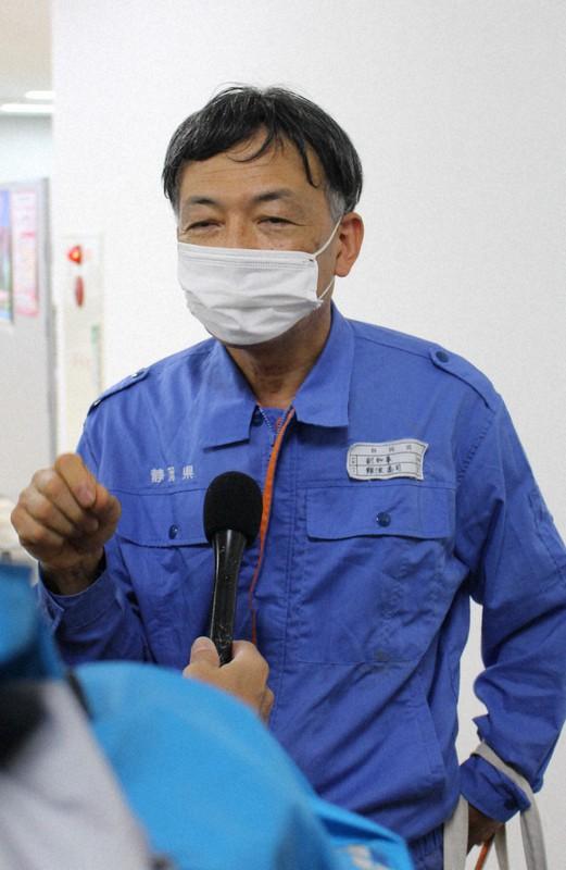 土砂崩落について説明する難波喬司・静岡県副知事=熱海市役所で、2021年7月4日午前10時40分、石川宏撮影