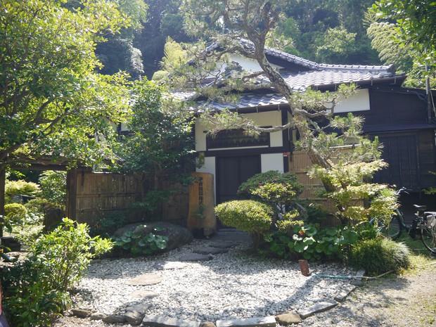 鎌倉市にある鎌倉投信の本社は、築90年の日本家屋だ