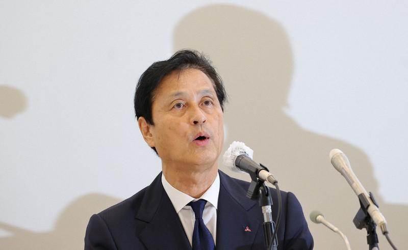 Takeshi Sugiyama, Presiden Mitsubishi Electric, mengungkapkan pengunduran dirinya pada konferensi pers = Difoto oleh Naoaki Hasegawa pada 16:31 pada 2 Juli 2021 di Chiyoda-ku, Tokyo