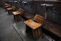 東京都は22年1月から制限年齢を7歳以上に引き下げる (Bloomberg)