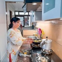 インドでは健康志向の高まりなどを背景に家庭料理需要が高まっている 筆者撮影