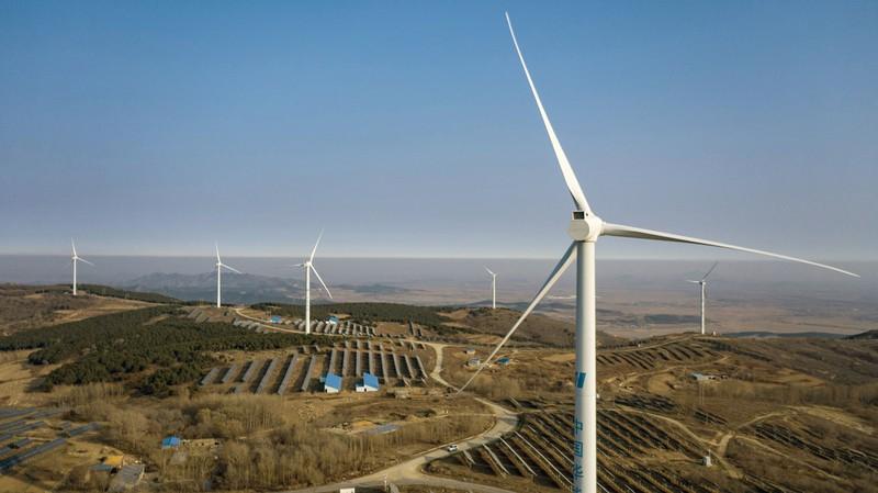 エネルギー分野での新規投資は中国のGDPを大幅に押し上げる(中国・遼寧省) Bloomberg