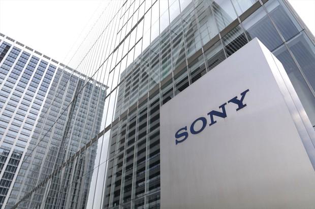 福田さんは、ソニーやアドテストなど、世界シェアの高い国際的企業への集中投資で高い運用成績を実現している Bloomberg
