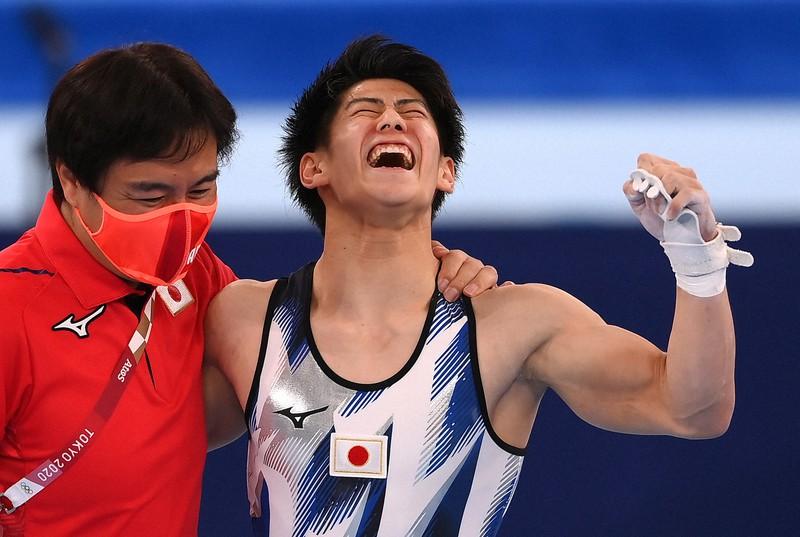 19歳・橋本大輝が金メダル 体操男子個人総合、日本勢3大会連続 | 毎日新聞