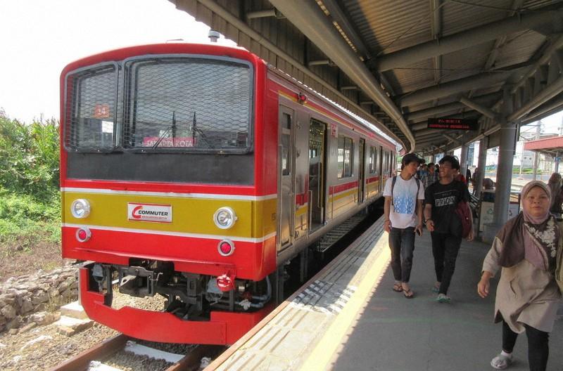 ジャカルタ市民の足として定着しているJR東日本からきた205系電車(写真は筆者撮影)