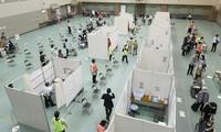 大阪市が運営する新型コロナウイルスワクチンの集団接種会場=大阪市都島区の都島スポーツセンターで2021年5月24日、藤井達也撮影